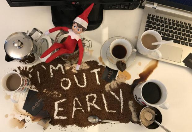 Christmas Giveaways: Elf on the Shelf
